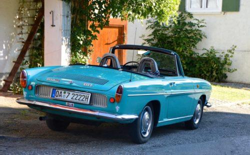 oldtimer-automobile-renault-caravelle-163597